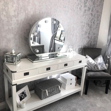 I Love Wallpaper Milan Metallic Wallpaper Grey, Silver @mrshinchhome
